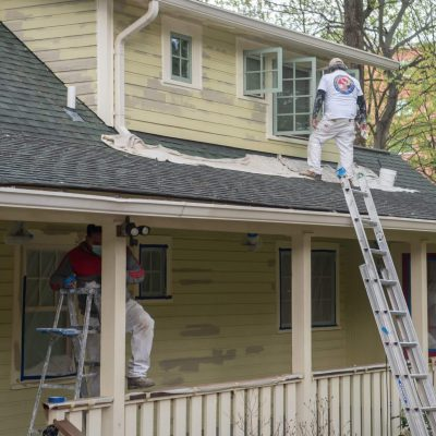 Exterior Painting Company in Bethesda prepping house to be painted